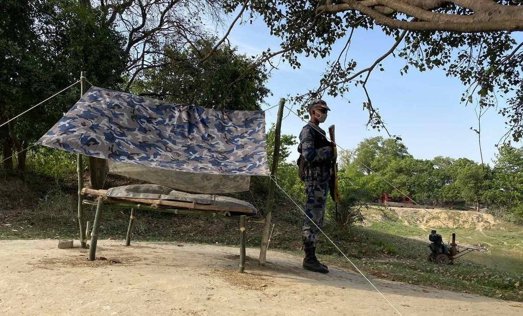 बारामा भारतीय नागरिकद्वारा सुरक्षाकर्मीमाथि आक्रमण, सशस्त्र प्रहरीद्वारा १ राउण्ड हवाई फायर