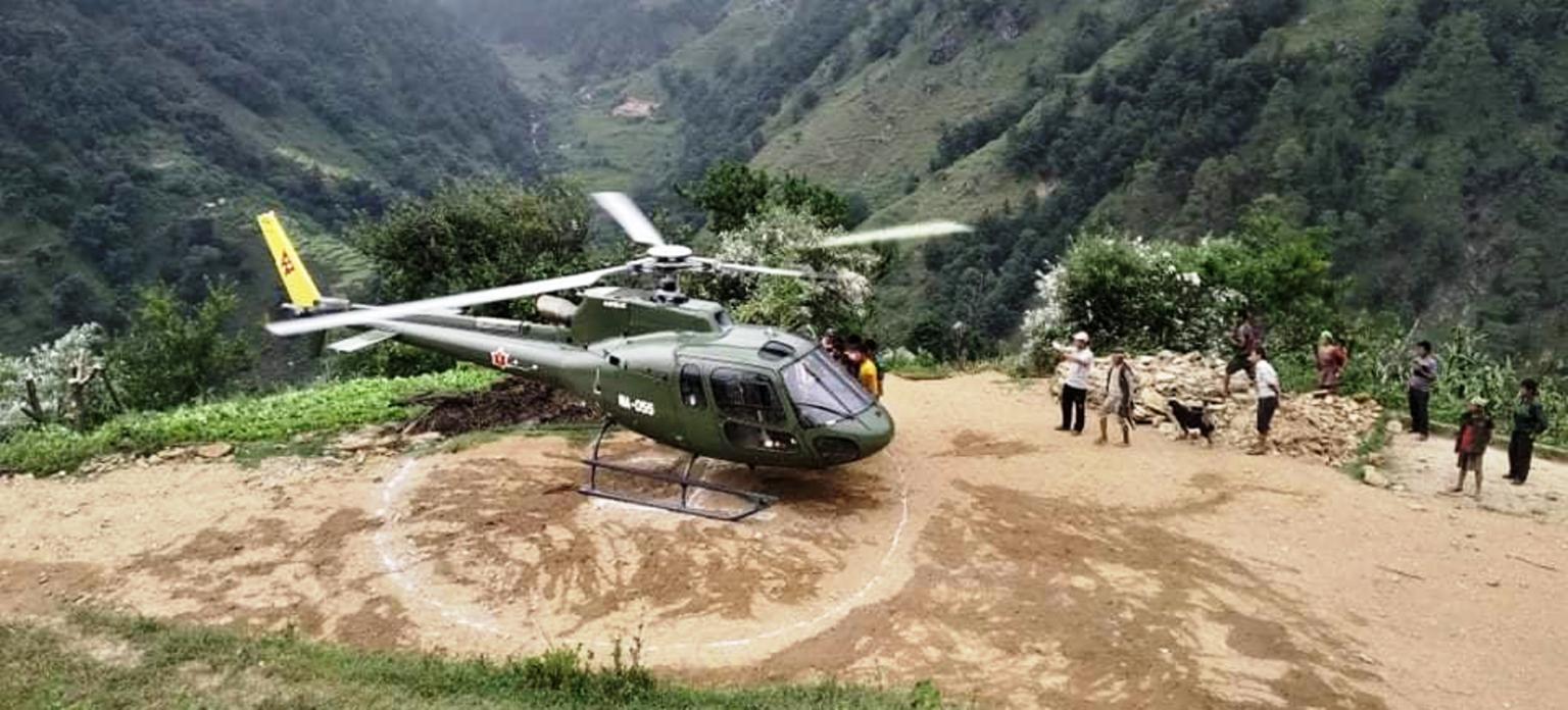 'नेपाली सेनाकाे हेलिकप्टर पहिले मान्छे मार्न आउँथ्यो, अहिले बचाउन आयो'