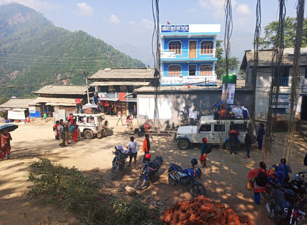 जाजरकाेटमा दशैकाे प्रभाव : रित्तिदै शहर,भरिँदै गाउँघर