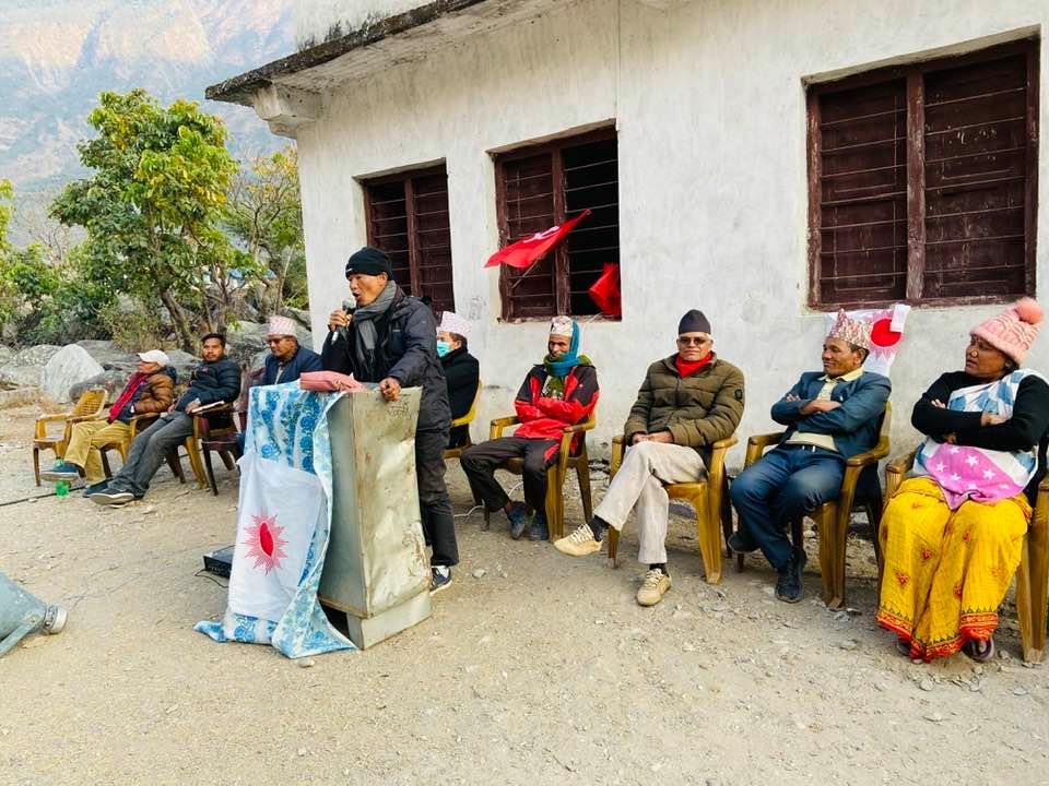 चुनावको तयारीका लागी घरदैलोमा ओली समुह